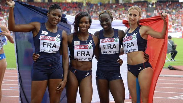Le relais 4x100 m français féminin, médaillé d'argent aux Championnats d'Europe à Zurich, le 17 août 2014 [Olivier Morin / AFP]