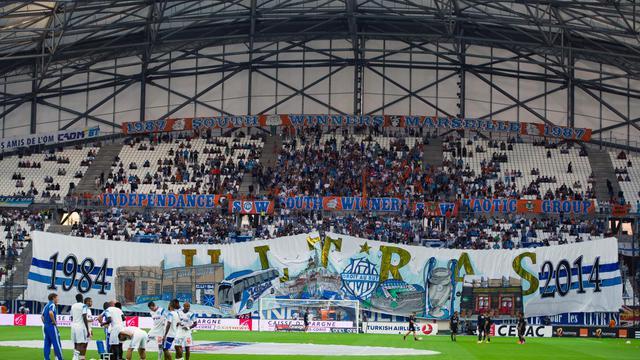 L'équipe de Marseille à l'échauffement avant le coup d'envoi du derby méditerranéen contre l'OGC Nice en Ligue 1 auVélodrome, le 29 août 2014  [ / AFP]