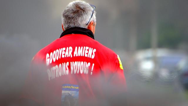Un salarié de l'usine Goodyear d'Amiens le 3 juin 2013  [DENIS CHARLET / AFP/Archives]