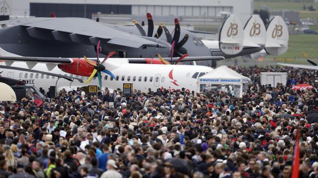 La foule des visiteurs le 22 juin 2013 au salon aéronautique du Bourget [Eric Feferberg / AFP Photo]