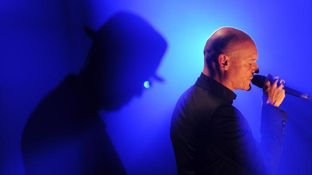 Le chanteur Gaëtan Roussel le 13 juillet 2013 aux Francofolies de La Rochelle [Xavier Leoty / AFP]