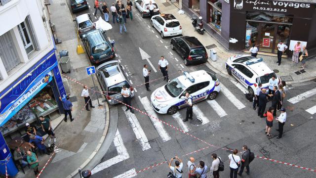 Les lieux du crime à Nice le 11 février 2013 [Jean-Christophe Magnenet / AFP]