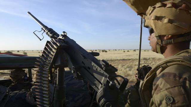 Des soldats français en patrouille près de Gao, dans le nord du Mali, le 30 octobre 2013 [Philippe Desmazes / AFP/Archives]