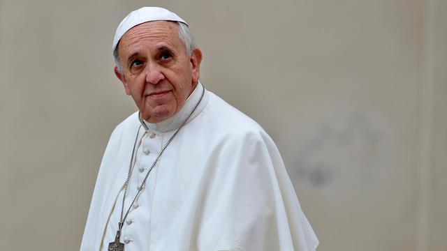 """Le pape François arrive à Saint-Pierre de Rome, le 1"""" novembre 2013 [Alberto Pizzoli / AFP/Archives]"""