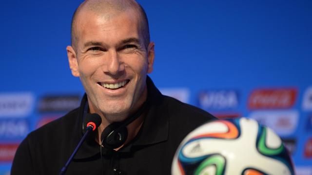 Zinedine Zidane pourrait devenir entraîneur de Bordeaux.