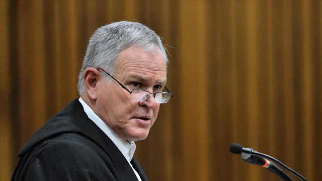 Barry Roux, l'avocat d'Oscar Pistorius, à Pretoria le 30 juin 2014 [Phill Magakoe / Pool/AFP/Archives]