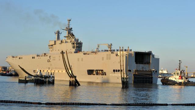 Le navire de guerre Vladivostok, un porte-hélicoptère Mistral commandé par la Russie, à Saint-Nazaire le 5 mars 2014 [Frank Perry / AFP/Archives]