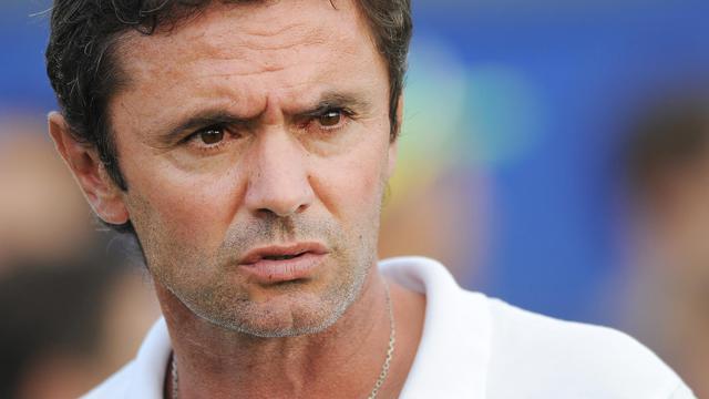 L'entraîneur de Lorient Sylvain Ripoll lors d'un match amical contre Nantes, le 26 juillet 2014 ) La Chapelle-des-Marais. [Jean-Sébastien Evrard / AFP/Archives]