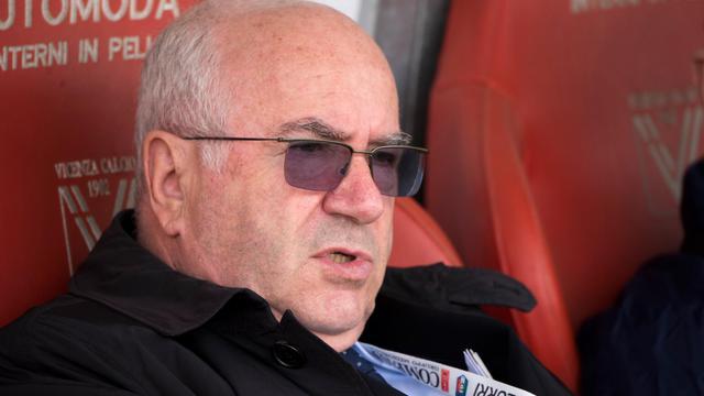Carlo Tavecchio, candidat à la présidence de la Fédération italienne de football, à Vicence, le 5 avril 2014 [Alberto Lingria / AFP/Archives]