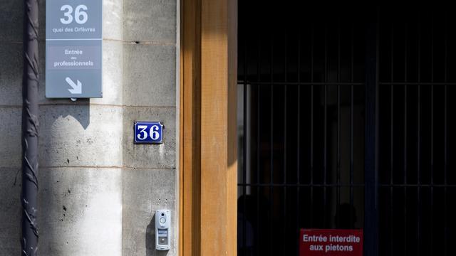 L'entrée du 36, Quai des Orfèvres, à Paris, le 1er août 2014 [Kenzo Tribouillard / AFP]