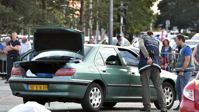 La police scientifique inspecte les lieux de la fusillade meurtrière à Grande-Synthe (Nord), le 4 août 2014 [Philippe Huguen / AFP/Archives]