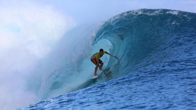 Le Brésilien Gabriel Medina lors de l'étape de Tahiti du circuit mondial de surf WCT le 25 août 2014 à Teahupoo [Grégory Boissy / AFP]