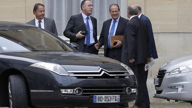 De g à d: Jean-Pierre Bel, Didier Guillaume et Jean-Christophe Cambadelis dans la cour de Matignon le 26 août 2014 à Paris [Thomas Samson / AFP/Archives]