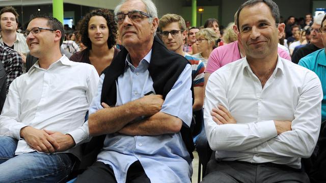 Les socialistes Henri Emmanuelli (c) et l'ex ministre de l'Education Benoit Hamon (d), lors des universités d'été du PS à La Rochelle, le 29 août 2014 [Xavier Leoty / AFP]