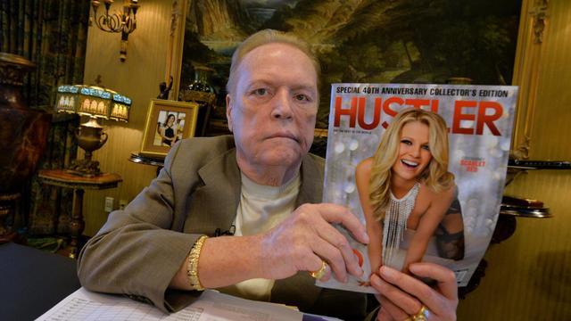 """Larry Flynt s'exprime lors du 40e anniversaire de son magazine """"Hustler"""", dans ses bureaux de Beverly Hills le 26 août 2014 [Mark Ralston / AFP]"""