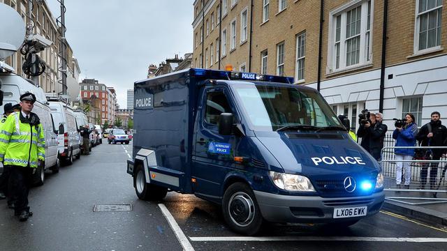 Un fourgon de police transportant Michael Adebowale arrive devant le tribunal de Westminster, à Londres, le 30 mai 2013 [Ben Stansall / AFP]