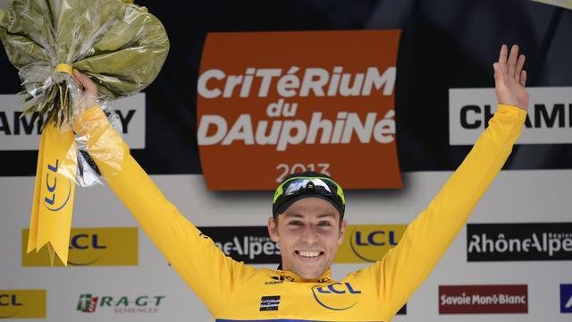 Le Canadien David Veilleux fête sa victoire lors de la 1re étape du Dauphiné, à Champéry, en Suisse, le 2 juin 2013 [Jeff Pachoud / AFP]
