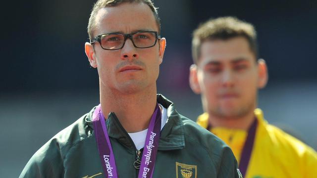"""Le Comité international paralympique (CIP) a rejeté mercredi les accusations d'Oscar Pistorius, expliquant qu'il n'y avait """"aucune preuve"""" que certains adversaires du double amputé sud-africain soient dotés de prothèses plus longues qu'autorisé aux Jeux de Londres[AFP]"""