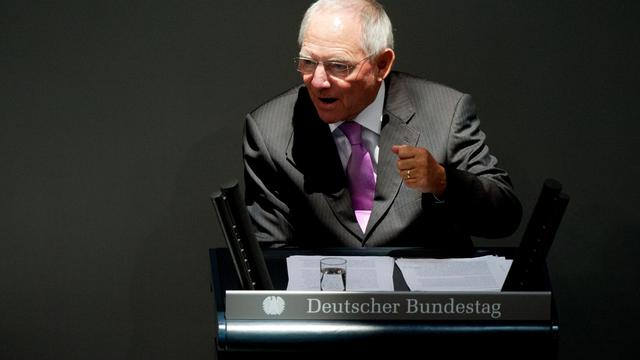 """Le ministre allemand des Finances, Wolfgang Schäuble, a estimé mardi que la Grèce avait réalisé des efforts """"considérables"""" pour réduire le déficit de son budget, lors d'une allocution devant le Parlement allemand. [DPA]"""
