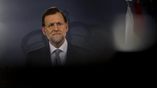 Des élections régionales en vue, le refus de toucher aux retraites, la crainte d'une mise sous tutelle: si l'Espagne résiste encore à demander son sauvetage financier, la raison est d'abord politique, selon des analystes. [AFP]