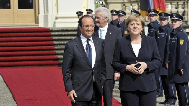 La chancelière Angela Merkel et le président françois Hollande à Ludwigsburg, le 22 septembre 2012 [Thomas Kienzle / AFP]