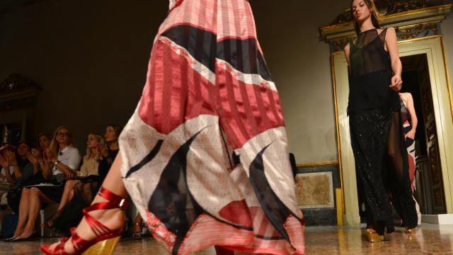 Des mannequins présentent des créations de Pucci lors de la Semaine de la mode de Milan le 22 septembre 2012 [Giuseppe Cacace / AFP]