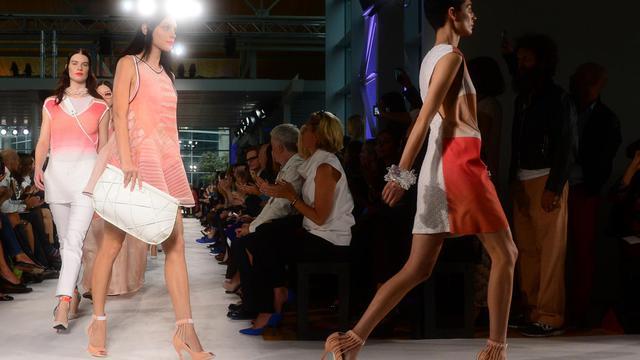 Des mannequins présentent des créations de Missoni le 23 septembre 2012 lors de la Semaine de la mode à Milan [Olivier Morin / AFP]