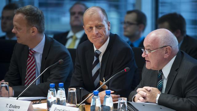 Le patron d'EADS Tom Enders (c), le 26 septembre 2012 à Berlin [John Macdougall / AFP]