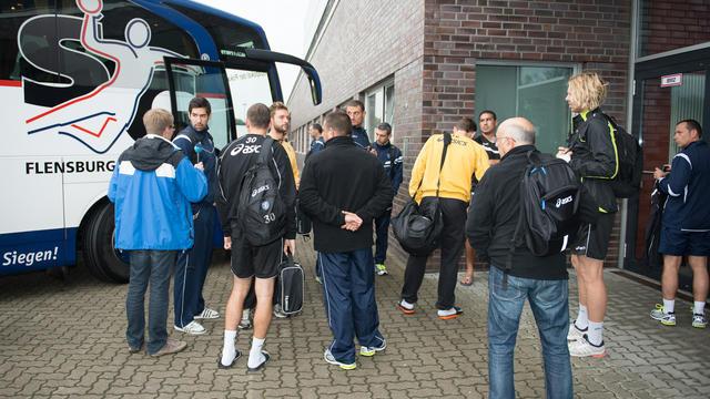 Les joueurs de Montpellier le 26 septembre 2012 à Flensbourg, dans le Nord de l'Allemagne, où le champion de France débute jeudi sa campagne en Ligue des champions de handball. [Benjamin Nolte / AFP]