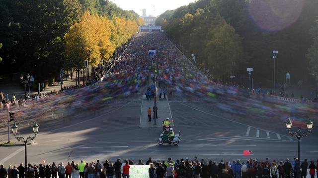 Les participants au 39e marathon de Berlin le 30 septembre 2012 [Johannes Eisele / AFP]