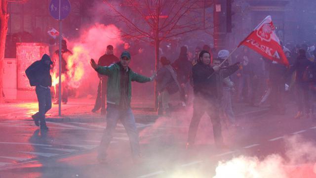 Des manifestants nationalistes le 11 novembre 2012 à Varsovie [Jakub Kaminski / PAP/AFP]