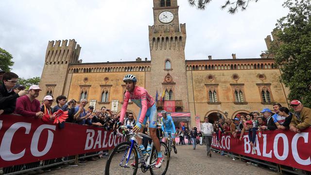 L'Italien Vincenzo Nibali avant la 13e étape du Giro le 17 mai 2013 à Busseto [Luk Benies / AFP]
