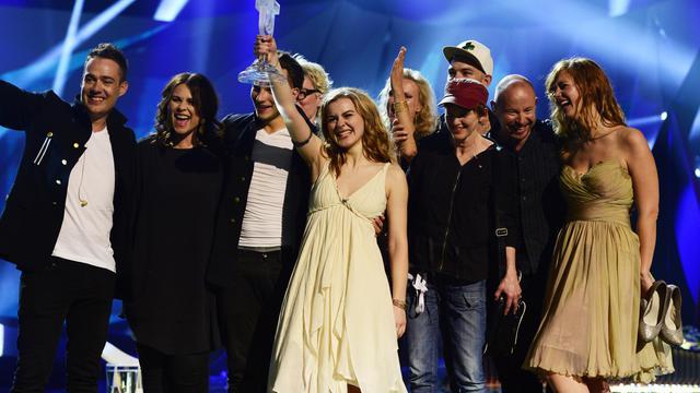 La Danoise Emmelie de Forest et son équipe gagnants de l'Eurovision, à Malmö, le 19 mai 2013 [John Macdougall / AFP]