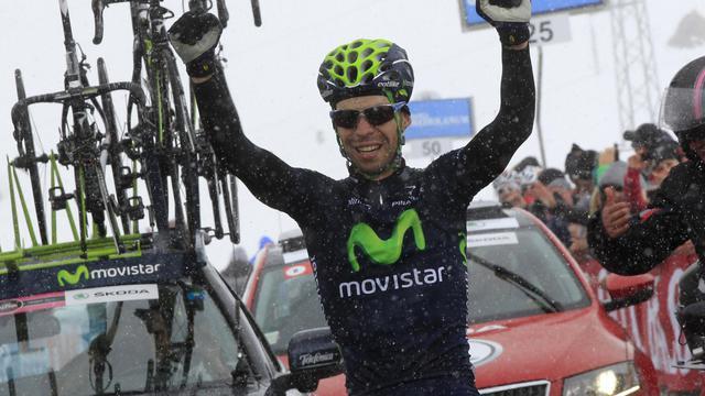 L'Italien Giovanni Visconti sur la ligne d'arrivée de la 15e étape du Tour d'Italie le 19 mai 2013 au col du Galibier en France [Luk Benies / AFP]