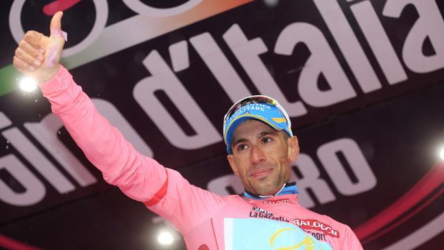 L'Italien Vincenzo Nibali porteur du maillot rose de leader et vainqueur du contre la montre de la 18e étape du Tour d'Italie le 23 mai 2013 à Polsa [Luk Benies / AFP]