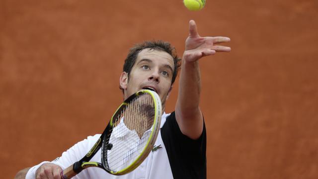Le Français Richard Gasquet au service lors du 3e tour, le 31 mai 2013 à Roland Garros [Kenzo Tribouillard / AFP]