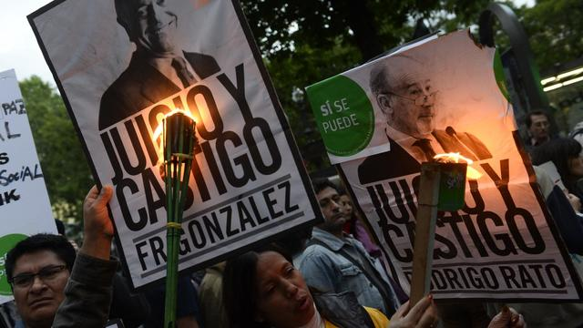 """Manifestants contre """"l'impunité financière"""", le 8 juin 2013 à Madrid [Pierre-Philippe Marcou / AFP]"""