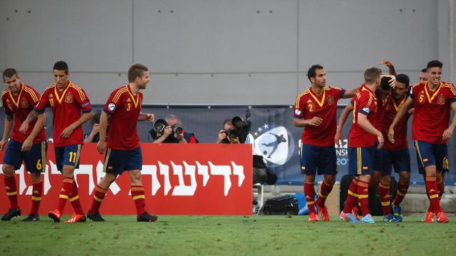 Les Espagnols fêtent leur premier but contre la Norvège, inscrit par Rodrigo, en demi-finale de l'Euro Espoirs, le 15 juin 2013 à Netanya [Menahem Kahana / AFP]