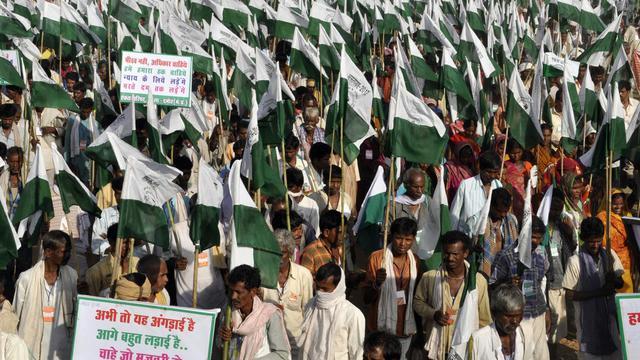 Des Indiens, parmi les plus pauvres, marchent de Gwalior vers New Delhi, le 3 octobre 2012 [ / AFP]