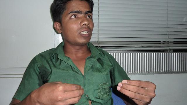 Mamun, un secouriste de 22 ans,  le 21 mai 2013 à Savar lors de l'interview avec l'AFP [Kamrul Hasan Khan / AFP]