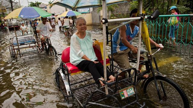 Une tempête tropicale a frappé les Philippines mercredi, faisant tomber d'abondantes pluies et aggravant les inondations et glissements de terrain dans une nation touchée depuis plusieurs semaines par une mousson destructrice.[AFP]