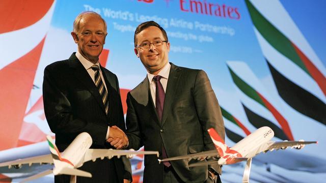 La compagnie aérienne australienne Qantas a annoncé jeudi avoir conclu une alliance mondiale avec Emirates qui prévoit notamment de transférer de Singapour à Dubaï le hub de ses vols vers l'Europe.[AFP]