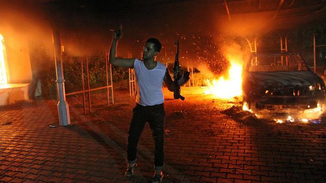 Un fonctionnaire américain a été tué mardi soir et un autre blessé dans une violente attaque du consulat américain à Benghazi dans l'est libyen par des hommes armés protestant contre un film offensant l'islam selon eux. [AFP]