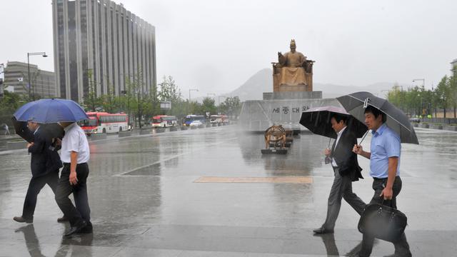 Violentes pluies le 17 septembre 2012 à Séoul [Kim Jae-Hwan / AFP]