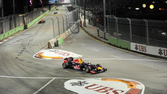 La monoplace du pilote allemand Sebastian Vettel (Red Bull) lors du Grand Prix de F1 de Singapour, le 23 septembre 2012. [Roslan Rahman / AFP]