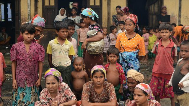 Des Rohingyas dans une école pour personnes déplacées à Theik Kayk Pyim, dans l'Etat Rakhine, le 11 octobre 2012 [Christophe Archambault / AFP/Archives]