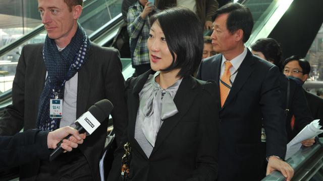 La ministre de l'Innovation, des PME et de l'Economie numérique, Fleur Pellerin à son arrivée à l'aéroport d'Incheon en Corée du Sud le 23 mars 2013 [Kim Jae-Hwan / AFP]