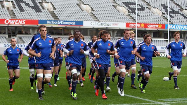 Les joueurs de l'équipe de France s'entraînent à l'Eden Park d'Auckland le 7 juin 2013 [Michael Bradley / AFP]