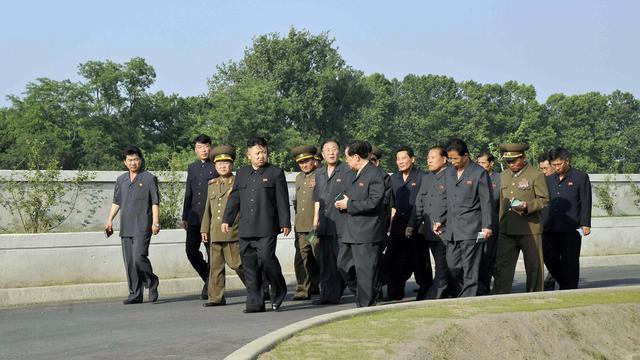 Photo fournier le 11 juin 2013 par l'agence KCNA montrant Kim Jong-Un  à Pyongynan [Kns / AFP/KCNA VIA KNS]