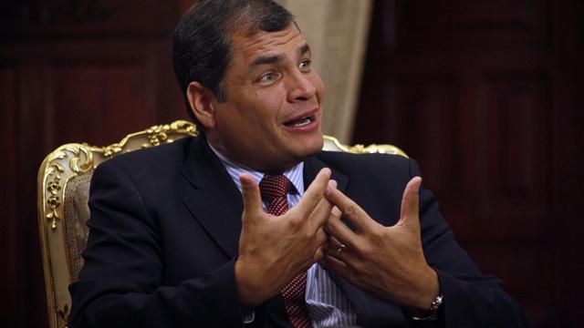 Le président équatorien Rafael Correa a démenti mardi que son pays s'apprêtait à accorder l'asile au fondateur de WikiLeaks Julian Assange, comme l'avait annoncé un peu plus tôt le site internet du quotidien britannique The Guardian.[PRESIDENCIA ECUADOR]